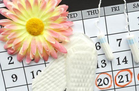 (PMS) תסמונת קדם וסתית: 3 טעויות מזיקות שגורמות לכן לסבול שוב ושוב מתסמונת קדם וסתית (ומה לעשות במקום)